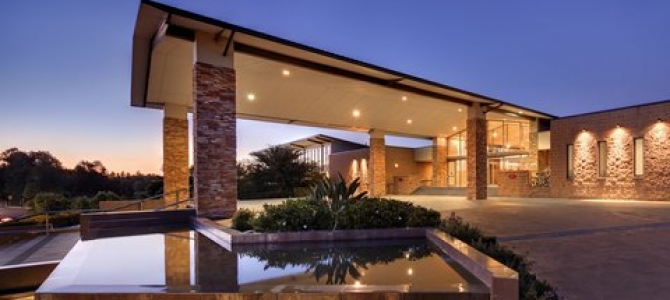 Crowne Plaza Hunter Valley First In Australia With Mobile Key A Guest Services